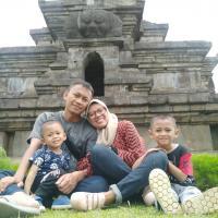 Rahmat dan Keluarga